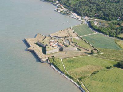 Fort La Prée vue du ciel Hotel La Marée, Ile de Ré web